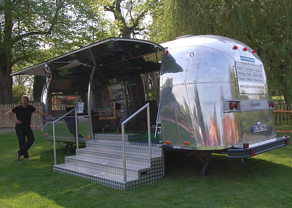 Airstream_Blickfang_roadshow_event_mobile.jpg