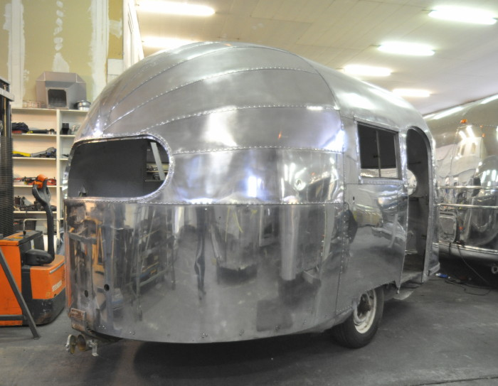 16ft_1948_airstream_weewind_a.jpg