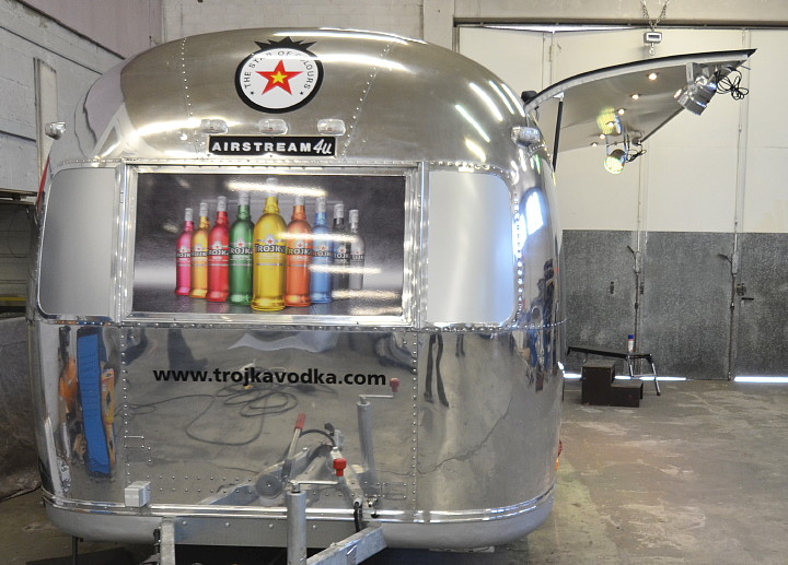 airstream4u_cocktail_bar.jpg