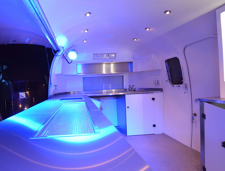 interieur_cocktail_bar_airstream4u.jpg