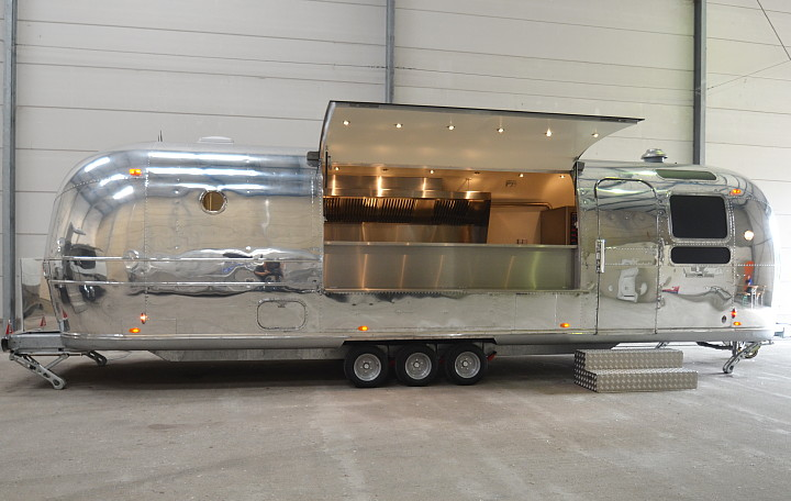 airstream4u_food_trailer.jpg