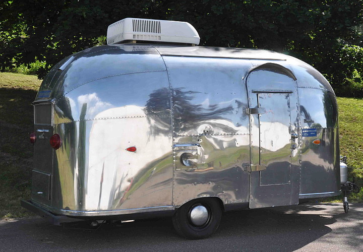 airstream_vintage_trailer_door_side.jpg