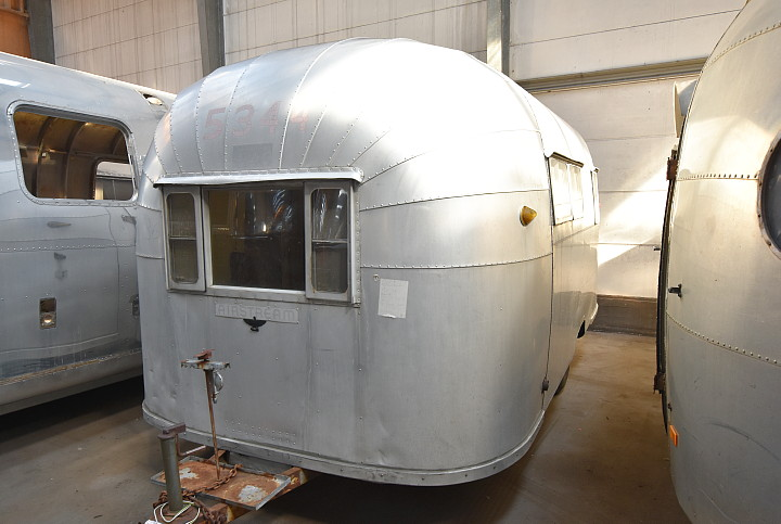 18_Feet_1954_Airstream_Wanderer_Vintage.jpg