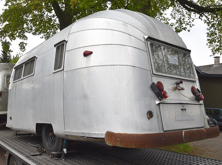 18_Feet_Airstream_Wanderer_1954_Vintage.jpg
