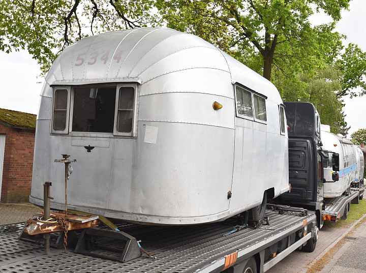 18_Feet_Vintage_Airstream_Wanderer_1954.jpg