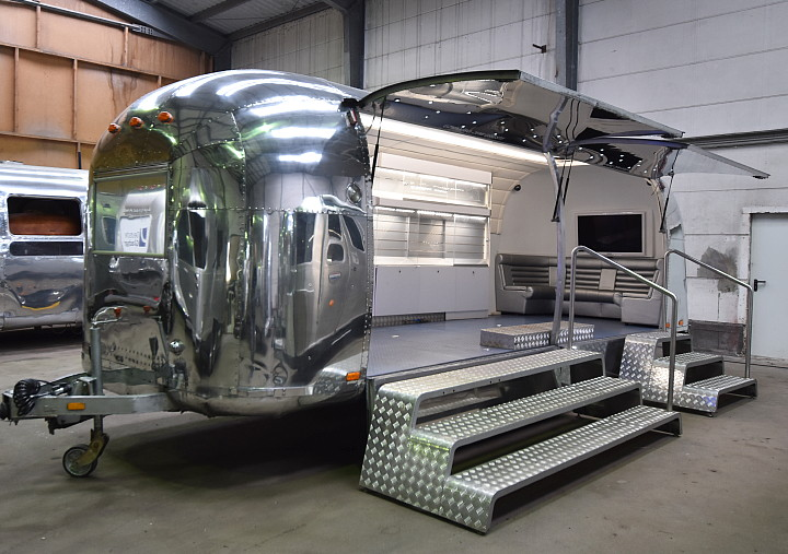 Airstream4u_Promotion_Stage_a.jpg