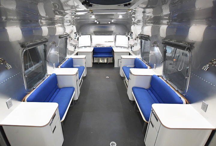 airstream_oxygen_bar_interior_a.jpg