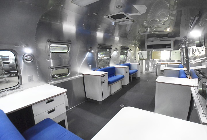 airstream_oxygen_bar_interior_seats.jpg