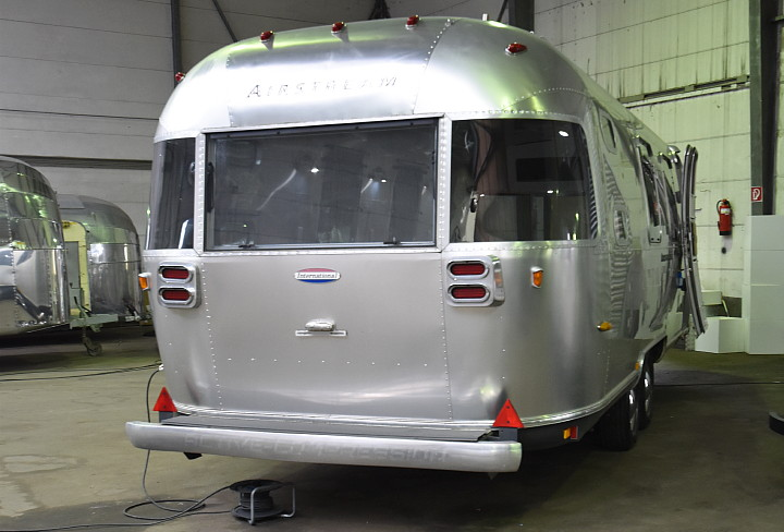airstream_oxygen_bar_rear.jpg
