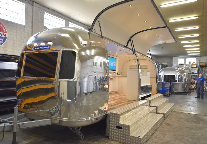 airstream4u_alcatel_boom_me_up_b.jpg