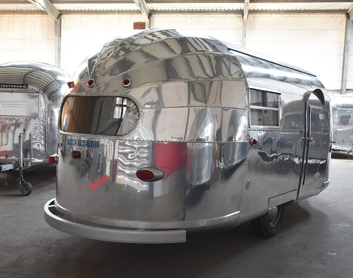 1948_airstream_trailwind_18_feet_b.jpg