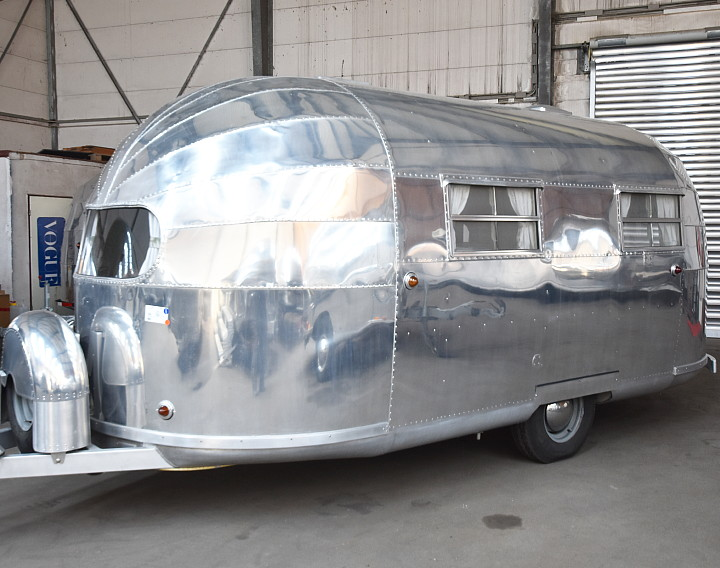 1948_airstream_trailwind_18_feet_c.jpg