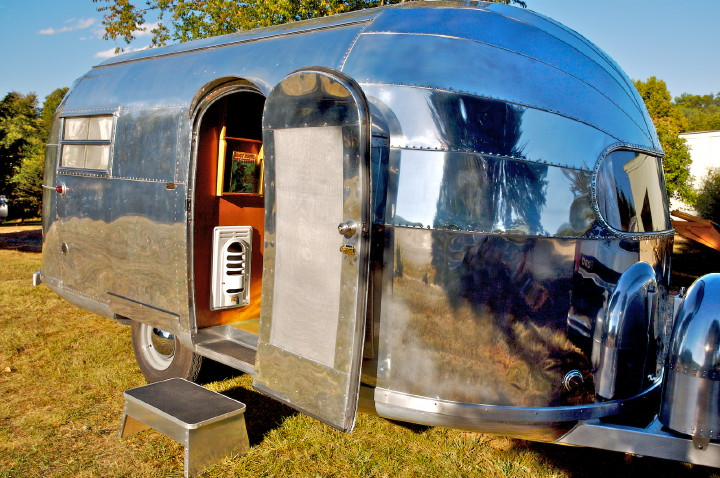 airstream_trailwind_1948_18ft.jpg