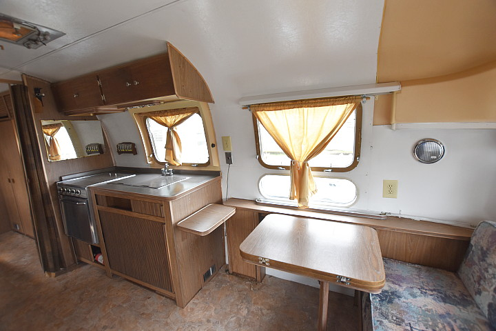 airstream_tradewind_70s_interior1.jpg