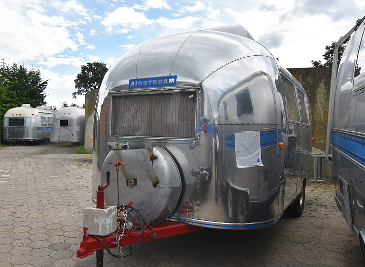 17_ft_Airstream_Bambi_II_1964_just_arrived.jpg