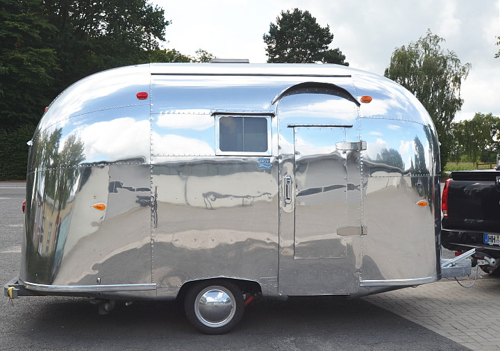 16_ft_Airstream_Pacer_1960.jpg
