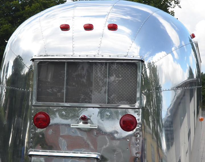 16_ft_Airstream_Pacer_1960_c.jpg