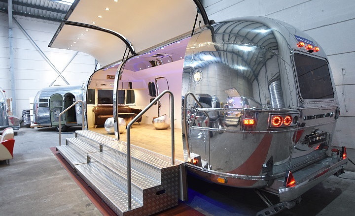 Airstream4u_moving_room.jpg