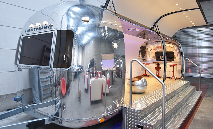 Airstream4u_moving_room_4rent.jpg