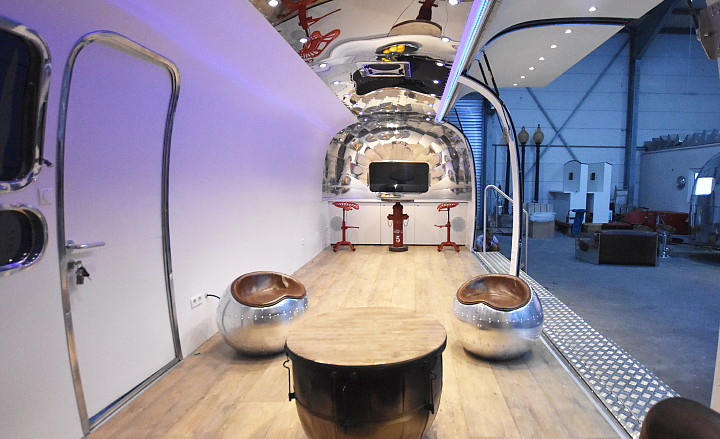 Airstream4u_moving_room_interior.jpg
