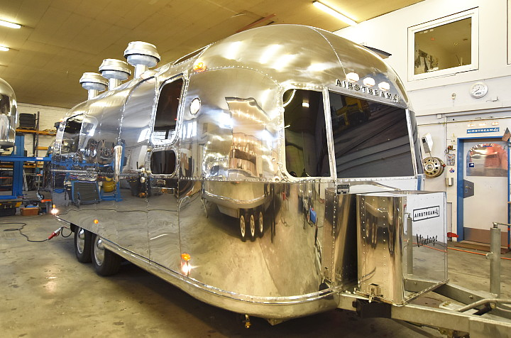 MKN_mobile_kitchen_airstream4u_c.jpg