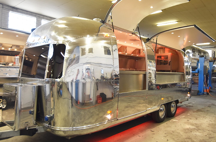 MKN_mobile_kitchen_airstream4u_i.jpg