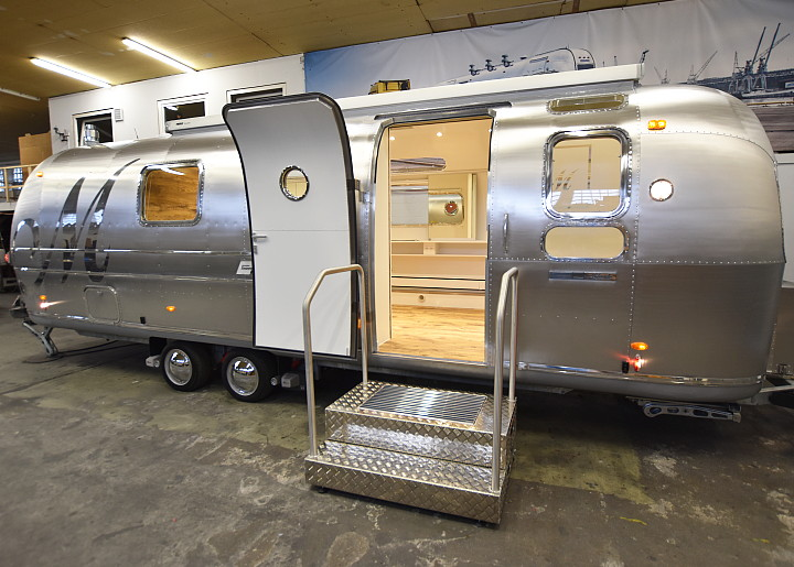 airstream4u_exterior_design1.jpg
