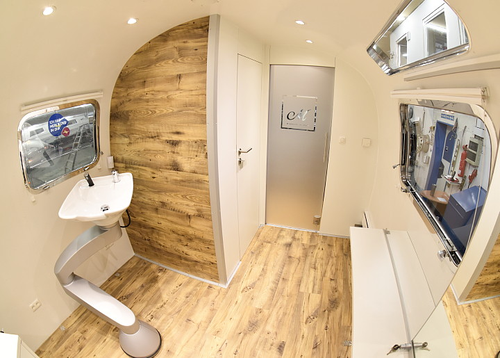 airstream4u_friseur_salon_coiffeur_interior.jpg