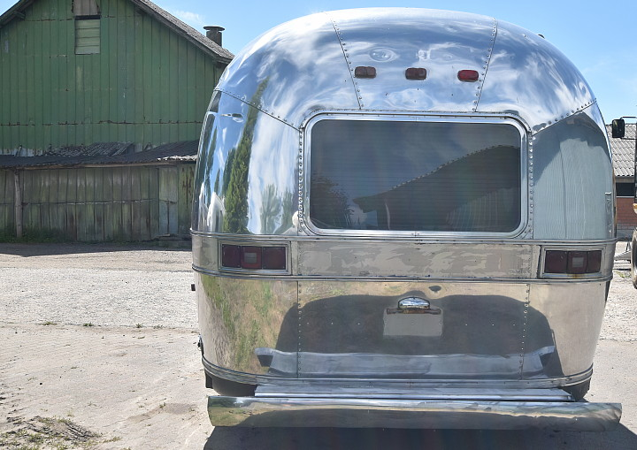 airstream_excella_1000_31ft_d.jpg