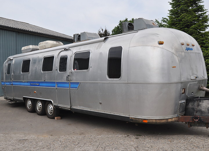 34ft_Airstream_Sovereign_1982_a.jpg
