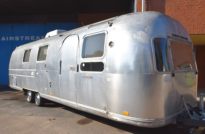 airstream_sovereign_1971_b.jpg