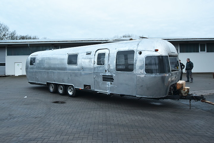 airstream_limited_1992_34ft_a.jpg